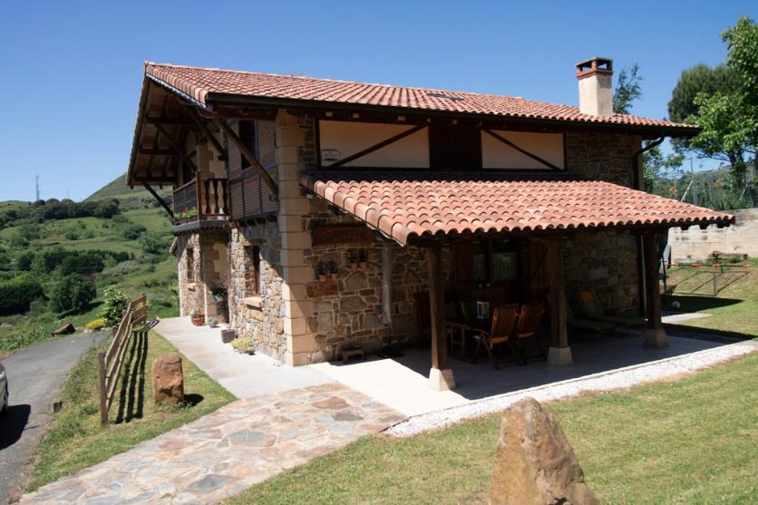 Casa en venta en Las Carreras, Abanto y Ciervana